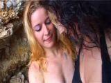 Cunni de deux lesbiennes à la plage